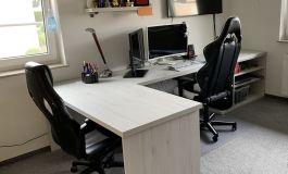 Schreibtischlandschaft priv.